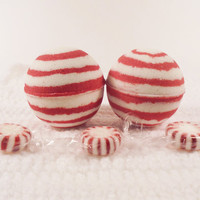 Candy cane bath bomb, christmas gift, bath bomb, spa gift, bath bombs, red and white bath bomb, party favors, birthday gift, bath and beauty