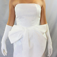 1980s white lame dress. Front bow gown. Designer dress by Victor Costa. Wedding dress. Party Dress. Prom dress. Strapless dress.