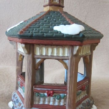 Vintage Dicken's Collectables Towne Series Holiday Gazebo, Christmas Village, Holiday Display, Decoration, Mid 90's, Festive, Fun. Classic