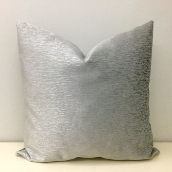 Metallic Grey Velvet Pillow Cover,Gray Pillows,Throw Pillows,Grey Velvet Cushion Covers,Robert Kaufman Pillow,Gray Velvet Pillow Covers