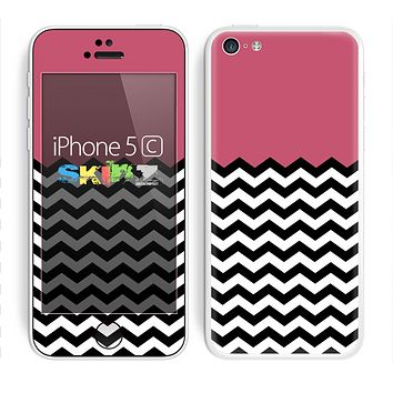 The Solid Pink with Black & White Chevron Pattern Skin for the Apple iPhone 5c