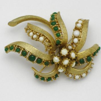 HATTIE CARNEGIE Flower Trembler Cabochon Brooch Pin