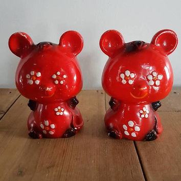 Retro Flower Power Red Teddy Bears Salt And Pepper Shakers kitschy Flower Eyes Kitsch Kitchen
