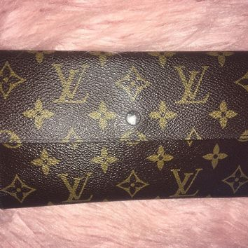 Louis Vuitton M61215 Monogram Canvas Tresor International Tri-Fold Wallet Clutch