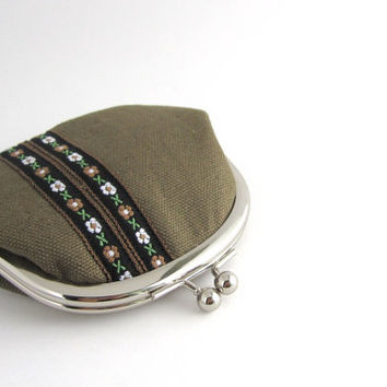 Frame Coin Purse- embroidered ribbon on brown