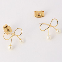 Bow and Pearl Studs