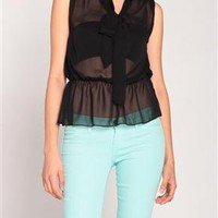 Bowtie Collar Sleeveless Blouse in Black