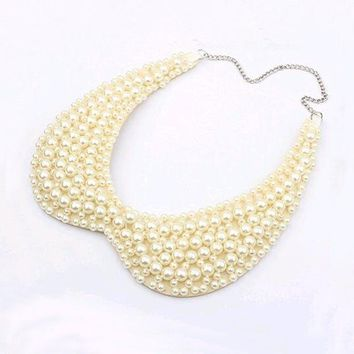 Vintage Alloy Black White Imitation Pearls Beaded Choker Necklaces Fake Collar sweater chain Necklace Women 's Clothing