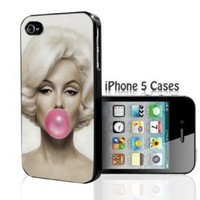 Marilyn Monroe with pink Bubble Gum iPhone 5 Case
