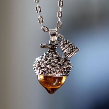 Peter Pan glass Acorn and Thimble Necklace Peter Wendy antique siiver tone fall  Jewelry cosplay costume jewelry jewellery