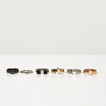 PACK OF STUDIO RINGS DETAILS