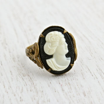 Antique Brass Filigree Cameo Czech Ring - Vintage Victorian Revival Lucite Cameo Made in Czechoslovakia Costume Jewelry / Black & White