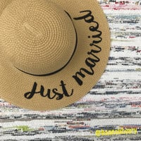 """Just Married"" Floppy Beach Hat"