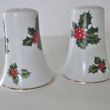 Vintage Christmas Salt and Pepper Shakers, Christmas Lefton Holly Shakers, Holiday Collectibles, Home Decor, Lefton 7955