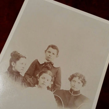 Victorian mourning cabinet card of a mother and her children