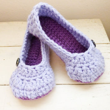 Warm crochet slippers, women's slippers, house shoes, women's gift idea, ready to ship, hand crochet, cute slippers, comfortable slippers