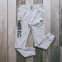 Nike F.C. Sweatpants w/ Side Zip - Heather