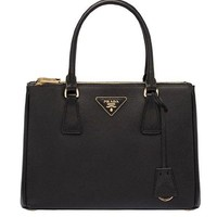 DCCKUG3 Prada Women's Black Leather Solid Handbag Shoulder Bag