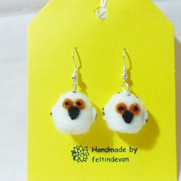 Needle felted owl earrings - owl earrings - felted earrings - needle felt owl