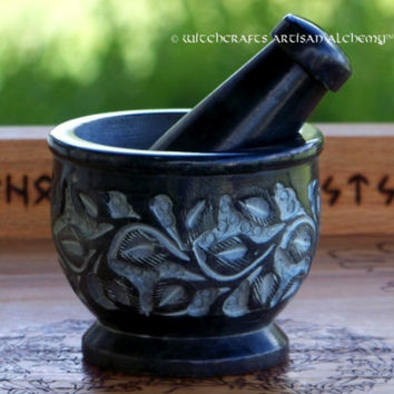 WITCH'S GARDEN Carved Soapstone Mortar & Pestle - Crafting Herb Spice Incense Grinding Preparation Tool, Kitchen Witchery, Witchcraft