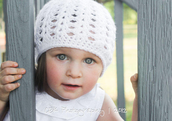 Crochet Girls Hat, Children Clothing, White Spring Beanie, Toddler Accessory, Size 3 to 10 years old, MADE TO ORDER