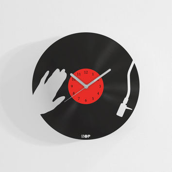 DJ clock from upcycled vinyl record (LP) | Hand-made gift for music lover | Unique, original home wall decoration, present