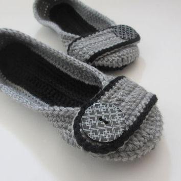 Women's Crochet Slippers - Button slippers - womens sizes - double sole - black and gray - custom - 4 5 6 7 8 9 10 11 - toddler
