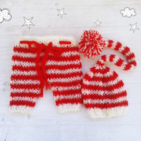 Christmas newborn photo prop / Hand knit baby set  / Red White knit pants and knit hat