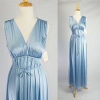Blue Cloud Vintage 70s Bombshell Nightgown Vanity Fair Size 36 New with tags/ Never worn