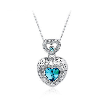 Double Heart Shape Pendant Necklace with Rhinestones