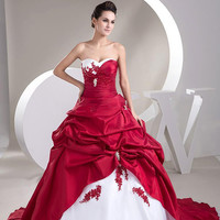 2016 New Hot Sales Sweetheart Sweep Train Ball Gown Taffeta Applique Ruffles White and Red Wedding Dresses Bridal Gowns Lace Up