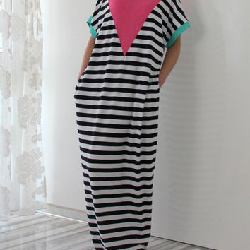 Maxi Dress, Black and White striped Caftan, Plus size dress, Plus size clothing, Abaya, Casual dress, Dress with pockets