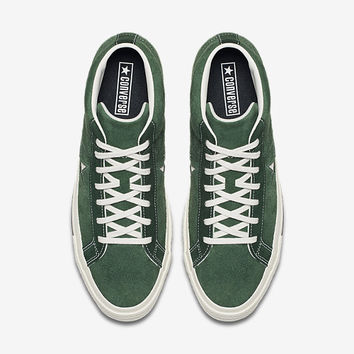 The Converse One Star '74 Mid Vintage Suede Unisex Shoe.