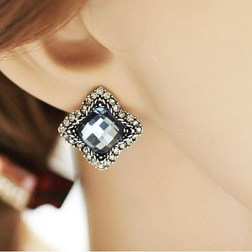 1 Pair Womens Luxury Elegant  Gray Rhinestone Ear Stud Earrings Jewelry