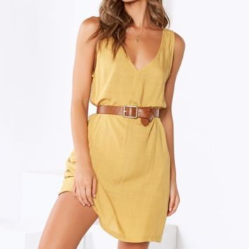 Women's sexy v-neck backless sleeveless solid color dressYellow