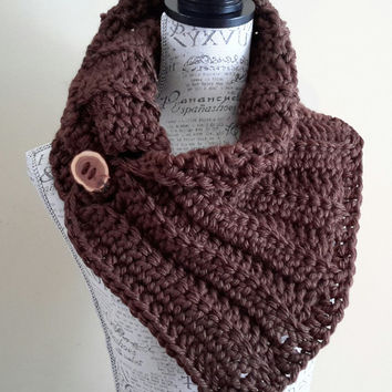 Crochet Brown Infinity Scarf. Katniss Inspired. Chunky Button scarf. Cowl. Made by Bead Gs on ETSY. Coffee Brown Cowl. Wood Button.