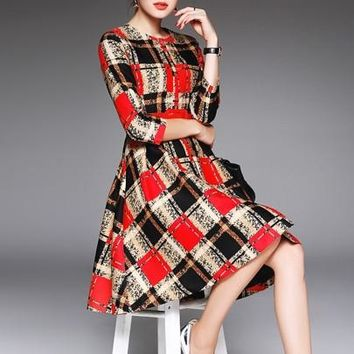 Plaid Single-Breasted 3/4 Sleeve Expansion Women's Day Dress