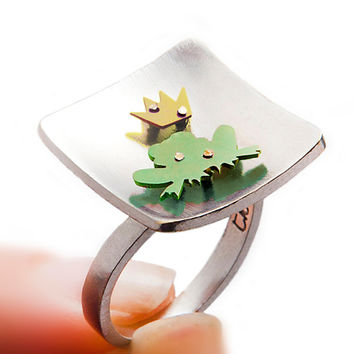 Frog prince ring, sterling silver animal ring.