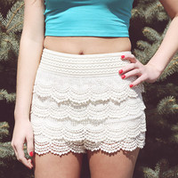 Love At First Sight Shorts (ivory)