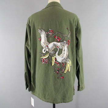 1960s Vintage Embroidered US Army Jacket / 60s Military Shirt / Olive Army Green / Flying Crane Birds Embroidery