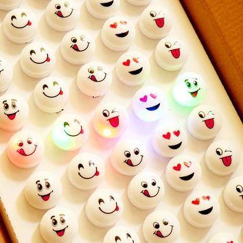 Costume Leds Real 25pcs/lot Led Flashing Light Up Smiling Face Blinking Party Rave Glow Finger Ring Decoration 2017 Gift New