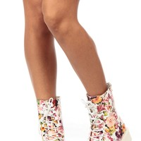 White Flower Garden Faux Leather Lace Up Ankle Boots @ Cicihot Boots Catalog:women's winter boots,leather thigh high boots,black platform knee high boots,over the knee boots,Go Go boots,cowgirl boots,gladiator boots,womens dress boots,skirt boots.