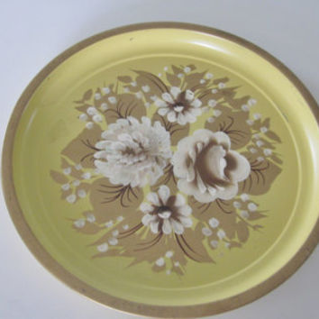 Vintage Yellow Floral Tole Tray, Round Hand Painted Metal Tray, Yellow Tray White Flowers Gold Trim, Toleware Tole Ware, Shabby Cottage Chic