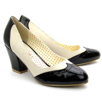 Black & White Closed Toe Hansel Spectator Pumps