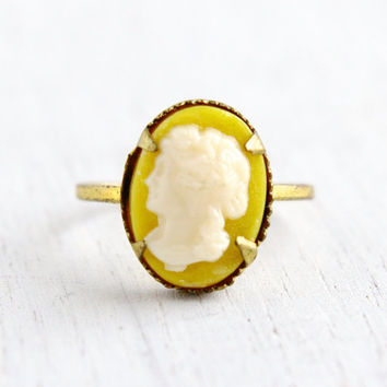 Vintage Cameo Brass Czech Ring - 1930s Lucite Cameo Made in Czechoslovakia Size 3 1/4 Costume Jewelry / Off White on Yellow