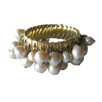 Pearl Expansion Bracelet - Wedding Jewelry - Vintage Bracelet For Prom - Bridal Jewelry - Pin Up Girl Bracelet