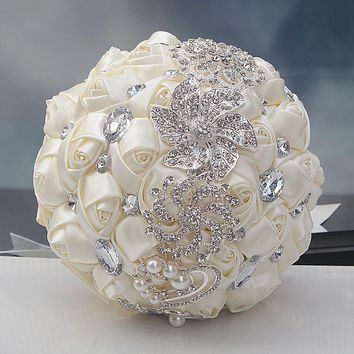Luxury Gorgeous Wedding Elegant Crystal Sparkle and Pearl Bridal Bouquet