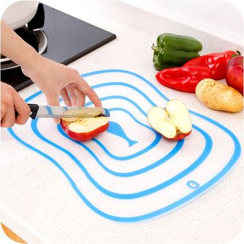 Jane Ju Small sushi plate cutting fruit cutting plate bendable chopping chopping board household soft fruit classification pad