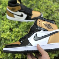2018 Air Jordan Retro 1 High OG NRG Black Gold Toe 861428-007 Basketball Sneaker