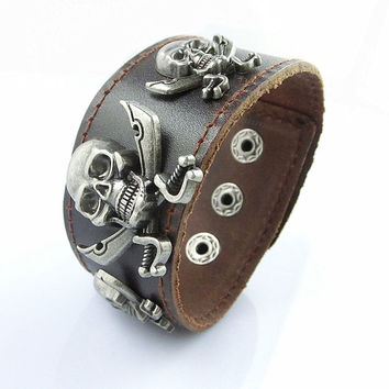 Fashion Punk  Rivets Adjustable Leather Wristband Cuff Bracelet - Great for Men, Women, Teens, Boys, Girls 2724s